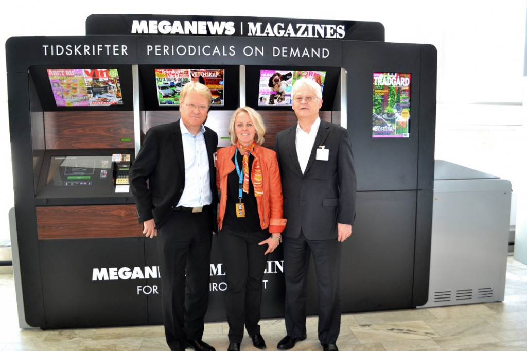 – We expect Meganews Magazines to improve our customer service, says Charlotte Ljunggren Chief Operating Officer at Landvetter Airport – here together with the founders Lars and Hans Adaktusson.